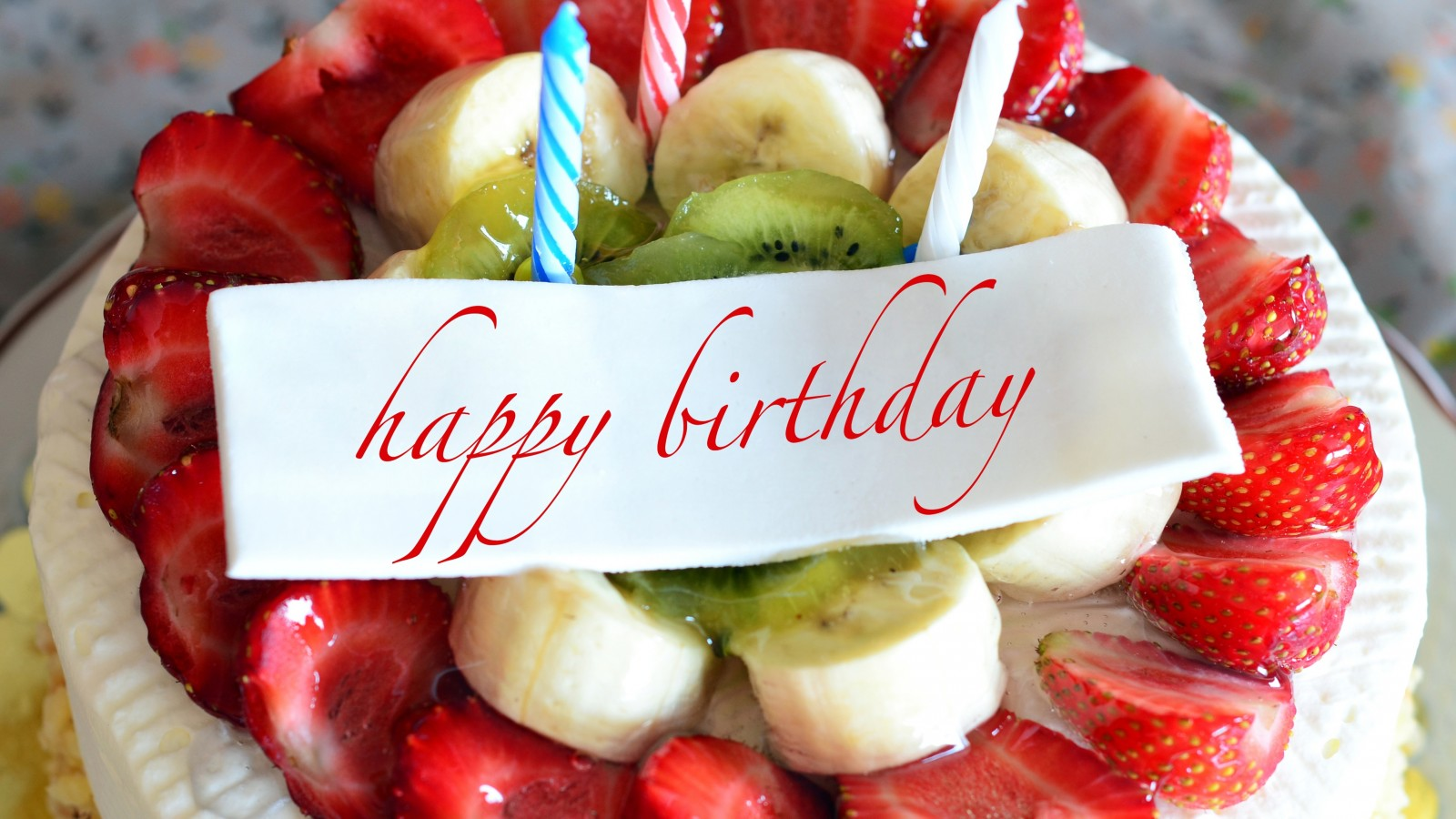 happy-birthday-cake-fruits