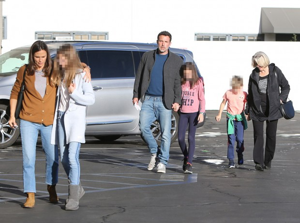 Ben Affleck, Jennifer Garner and family out and about, Los Angeles, USA - 27 Nov 2019