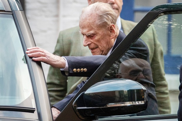 Prince Philip leaving King Edward VII hospital, London, UK - 24 Dec 2019